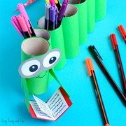 DIY-Bookworm-Paper-Roll-Pencil-Holder-Craft-for-Kids-to-Make.jpg