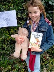 Edie dressed up as Charlotte from Charlotte's web!