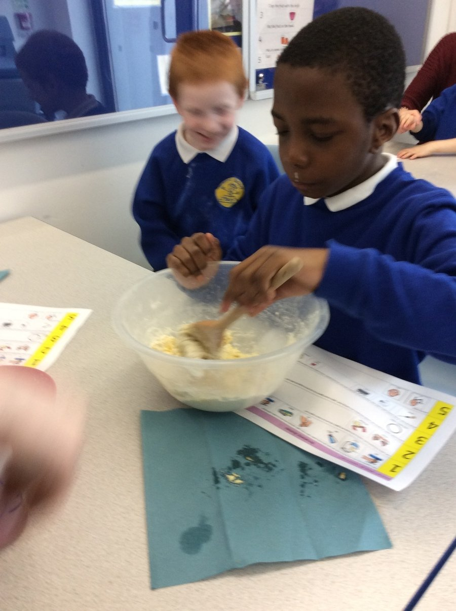 E- Pathway 2- Food tech- E could mix the flour, butter and milk to make the dough for his scones independently