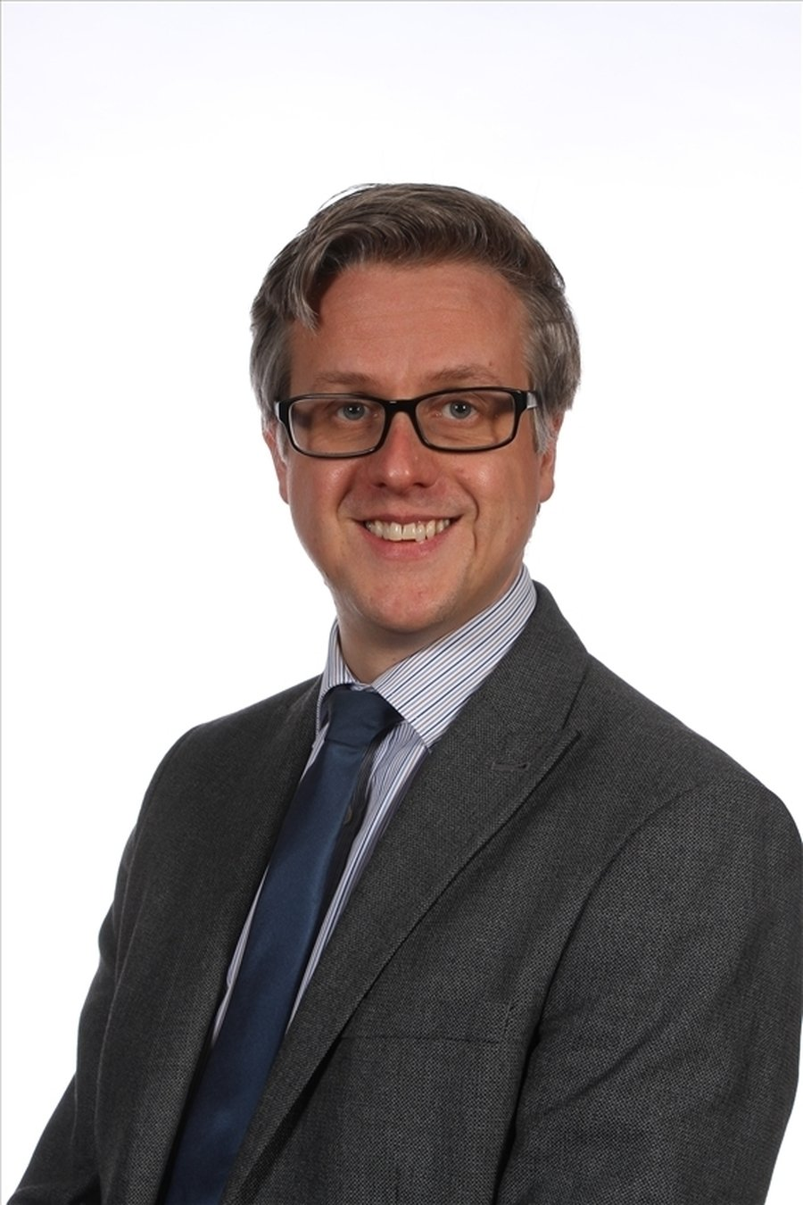 Mr Broadbent, Deputy Head, Child Protection, Year 5/6 Class Teacher, English Lead, Assessment, Pupil Premium