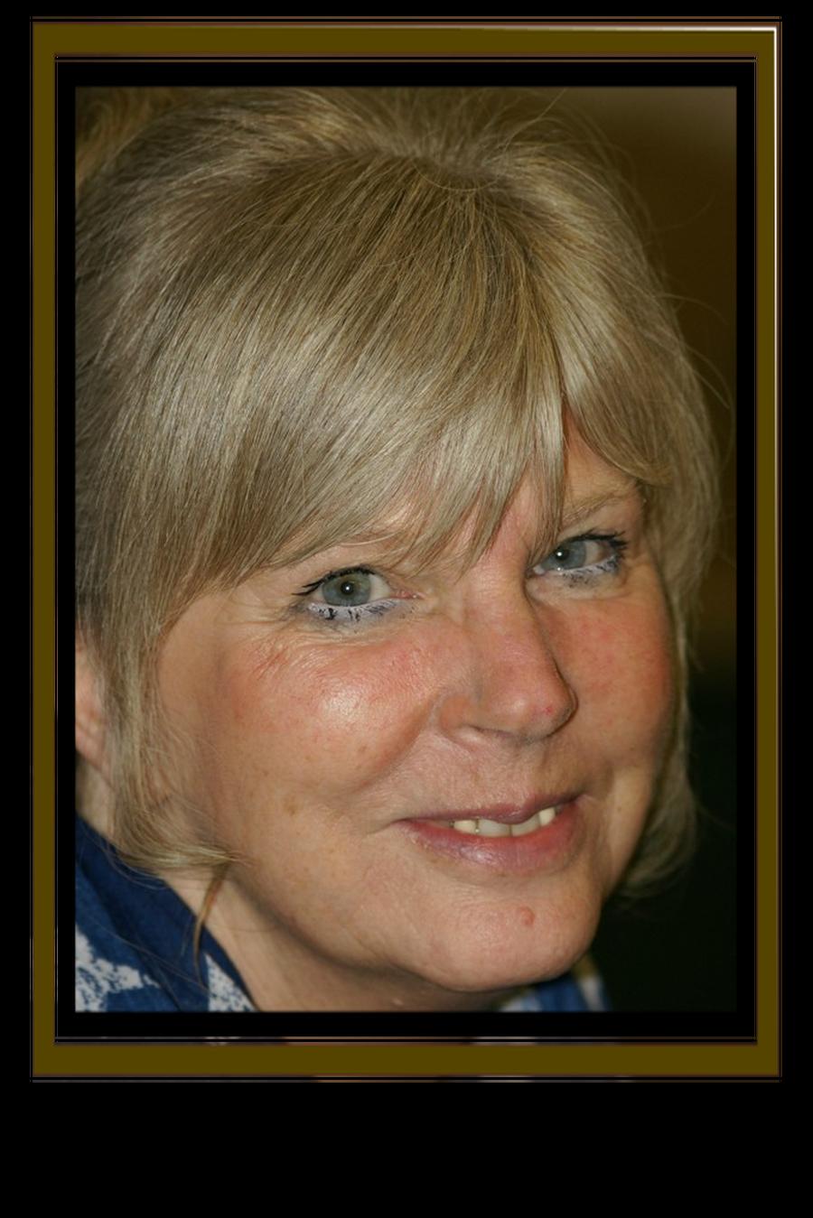 Mrs Lynn Wood