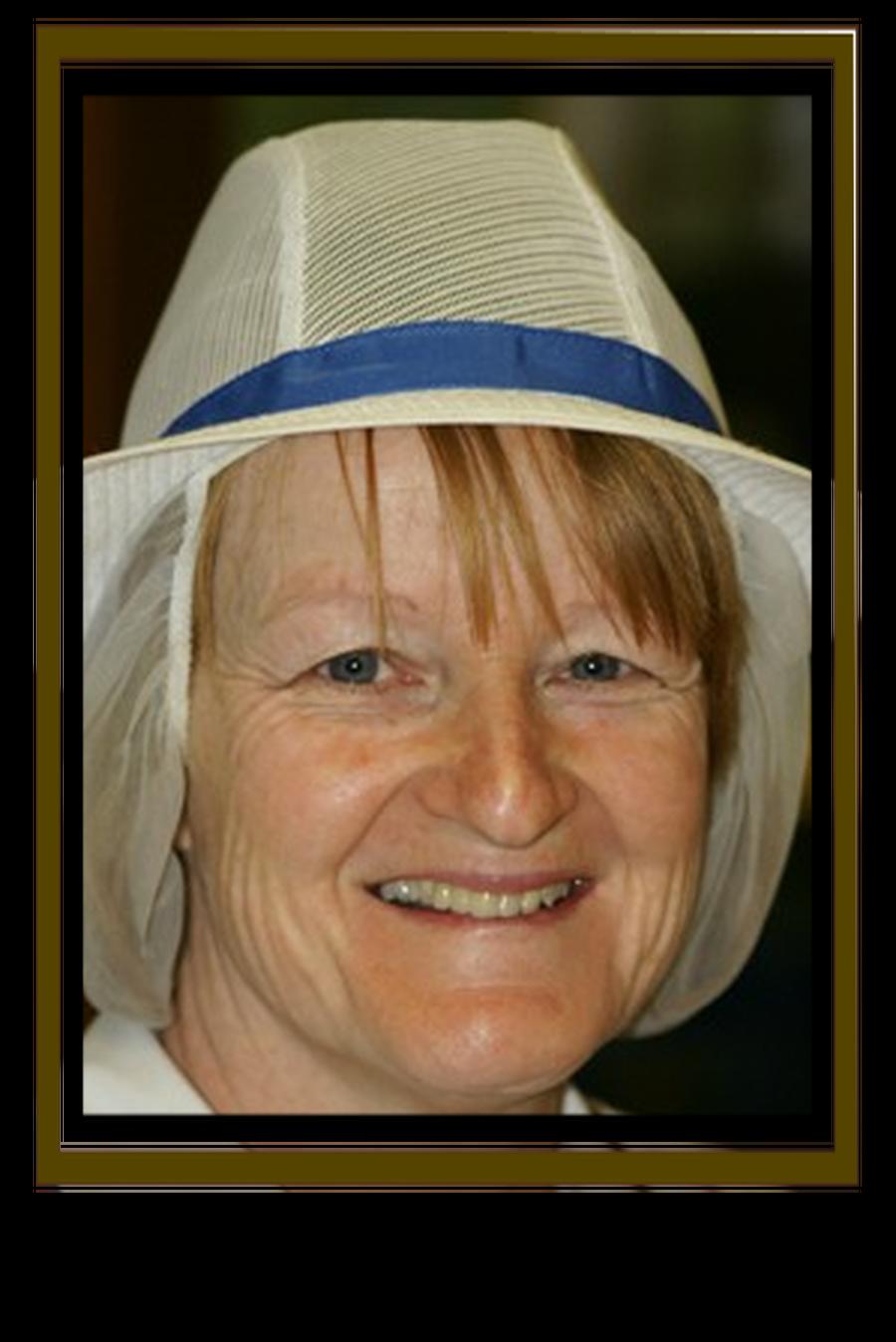 Mrs Karen Broxton