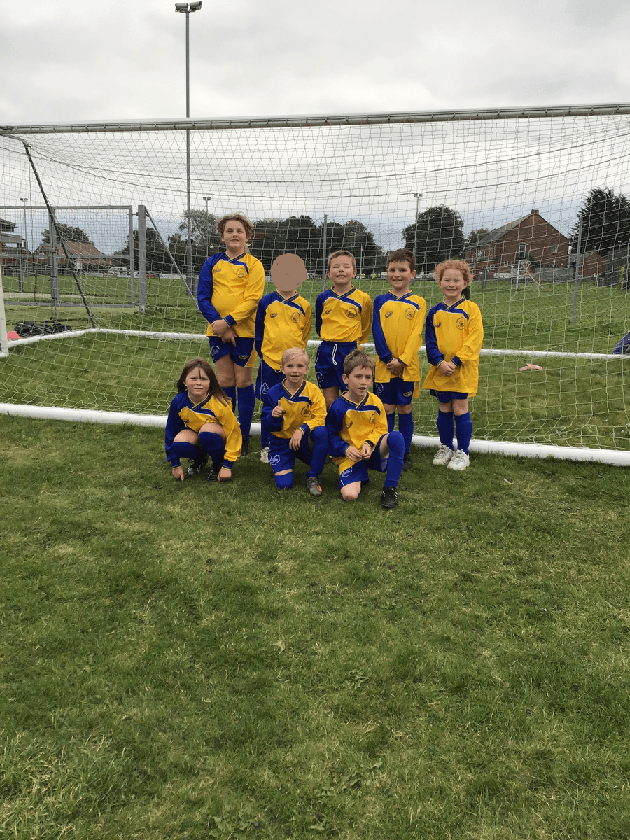 14/10/2021 Y3 and Y4 took part in JBSports  Football Tournament. Great scoring and defending team Halton