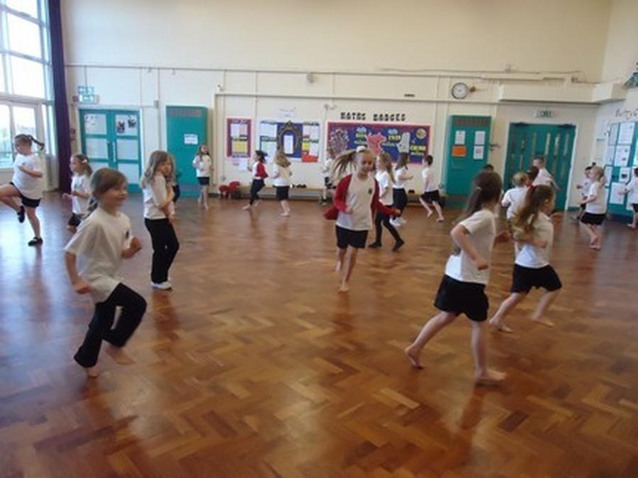 fair furlong primary school pe in school