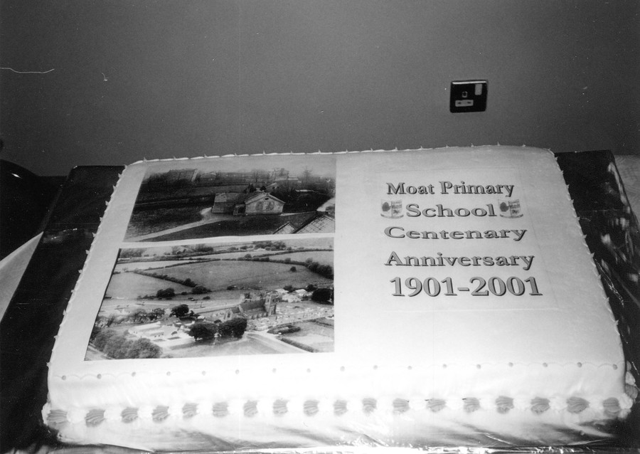 Celebrating the Moat School's Centenary in 2001