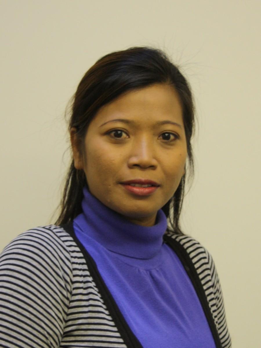Mrs R Yanti-Smith