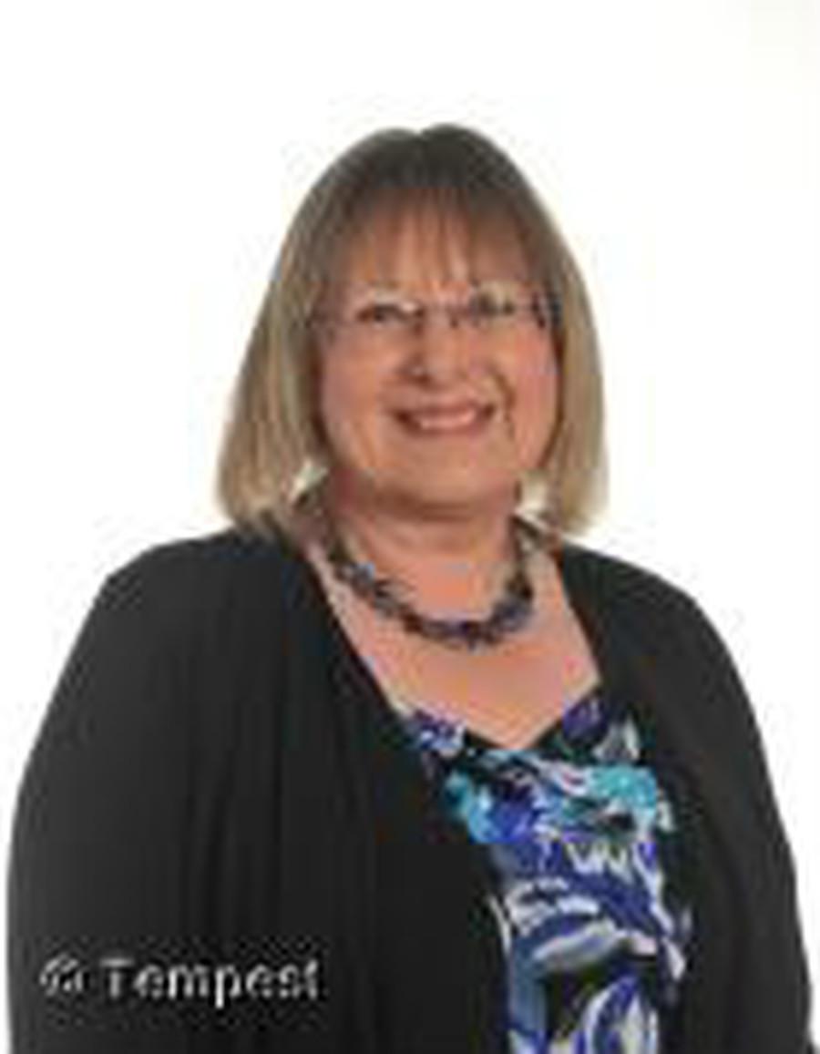 Mrs Sue Spooner