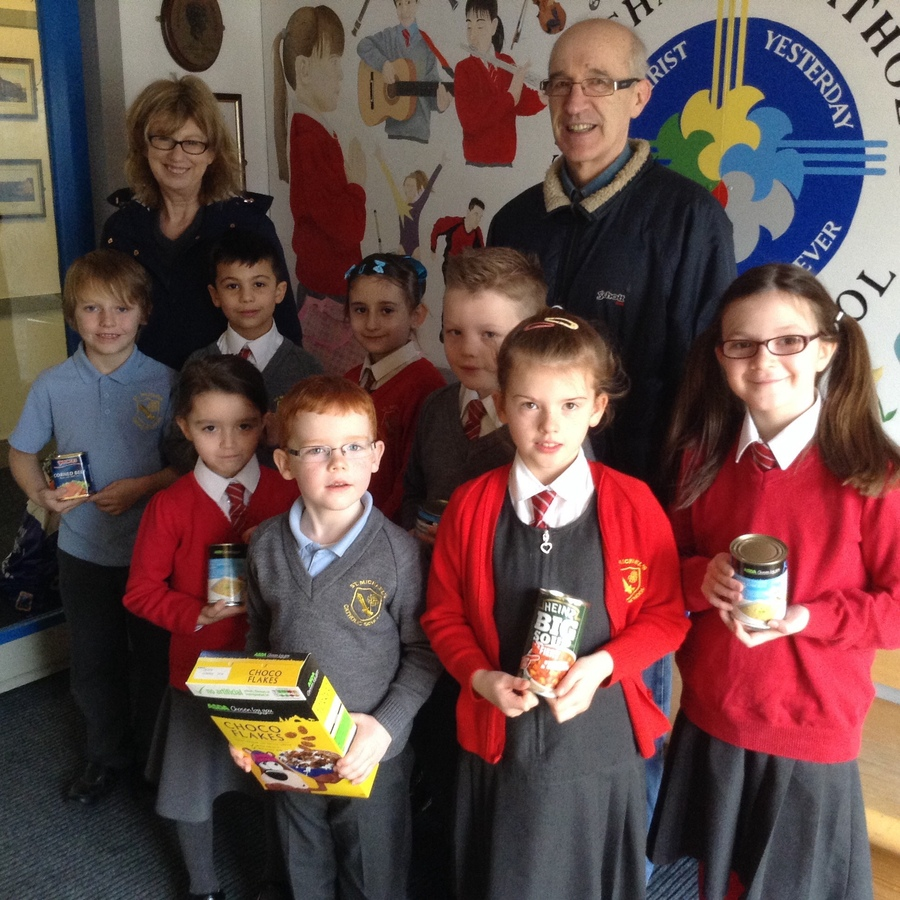 The Mini Vinnies with representatives from Loaves and Fishes food bank