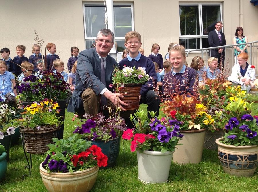 Mr Tom Elliott MP recognises work of Eco Committee