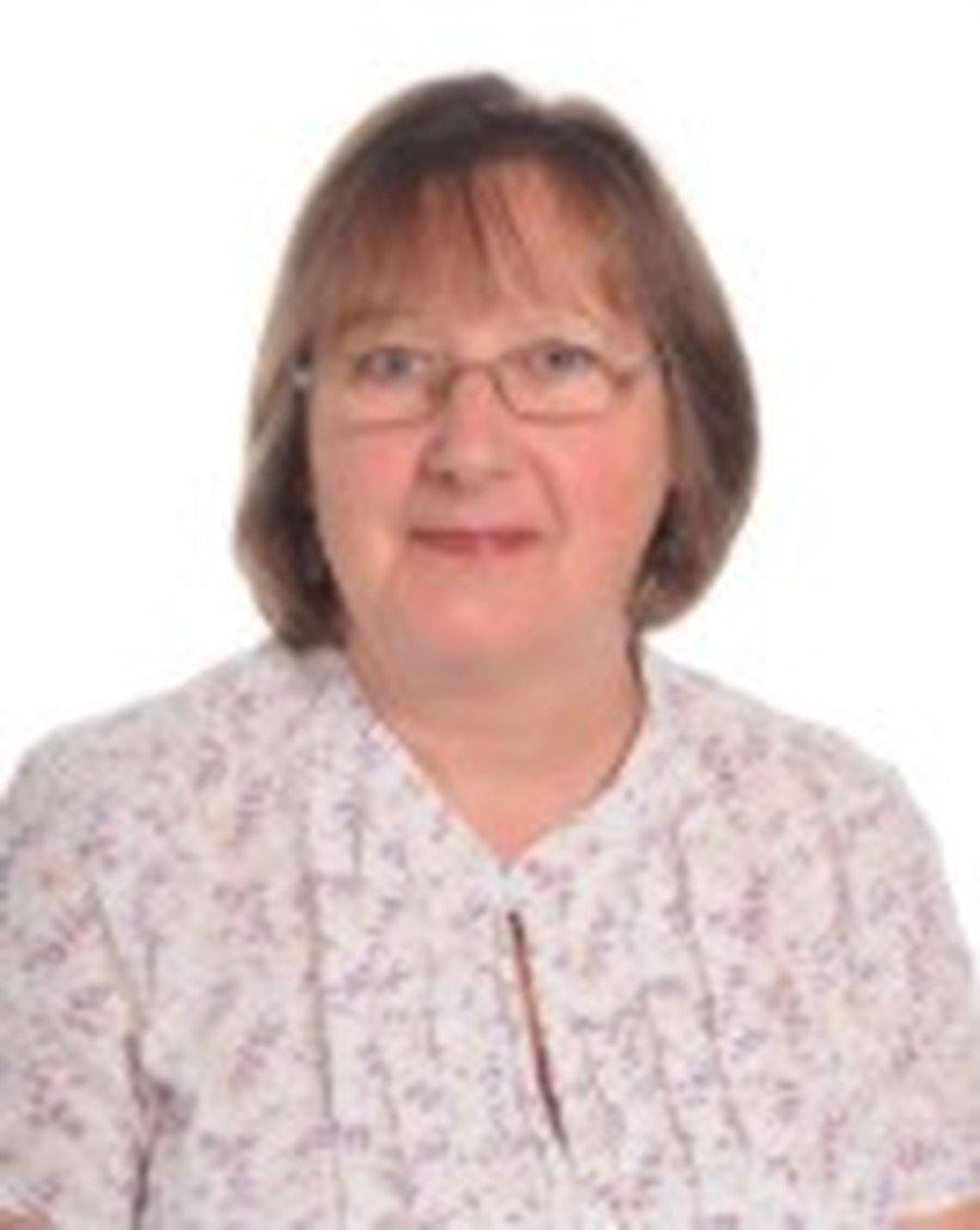 Lynn Cadman</br>Administrator
