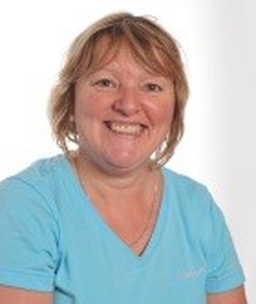 Julie Crompton</br>Mid-day Supervisor