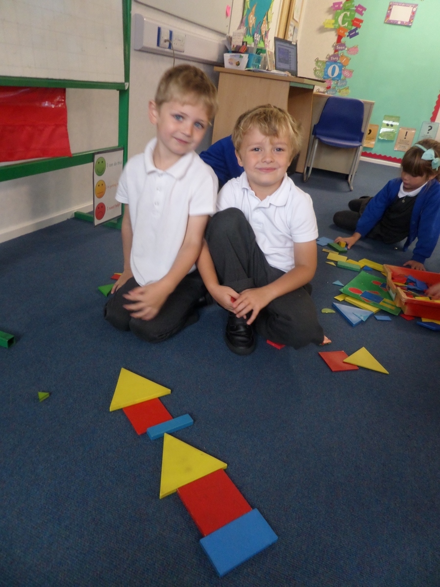 Sequencing using shapes and colour