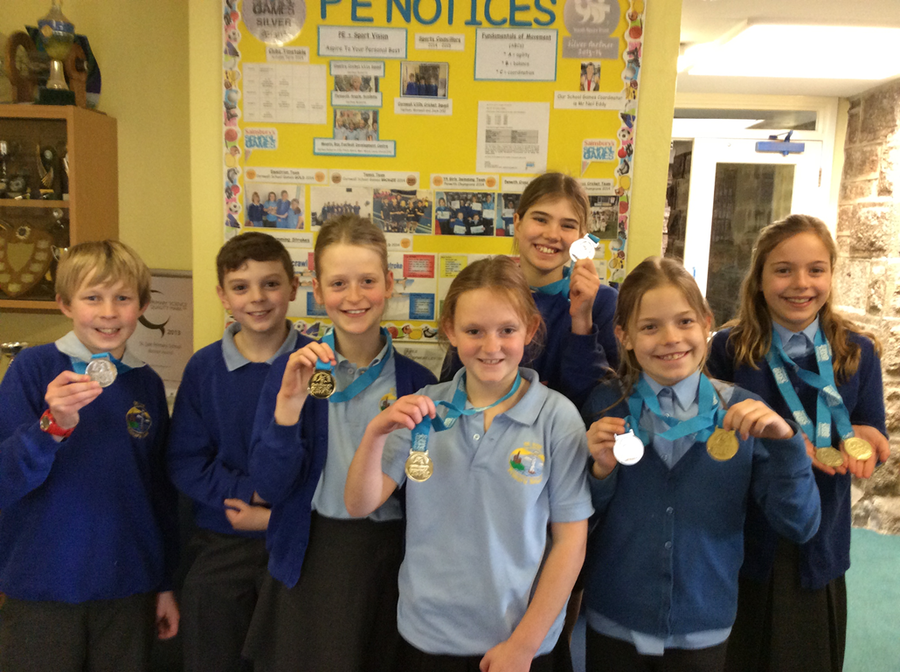 2015 Swimming Gala Medalists Year 5 & 6