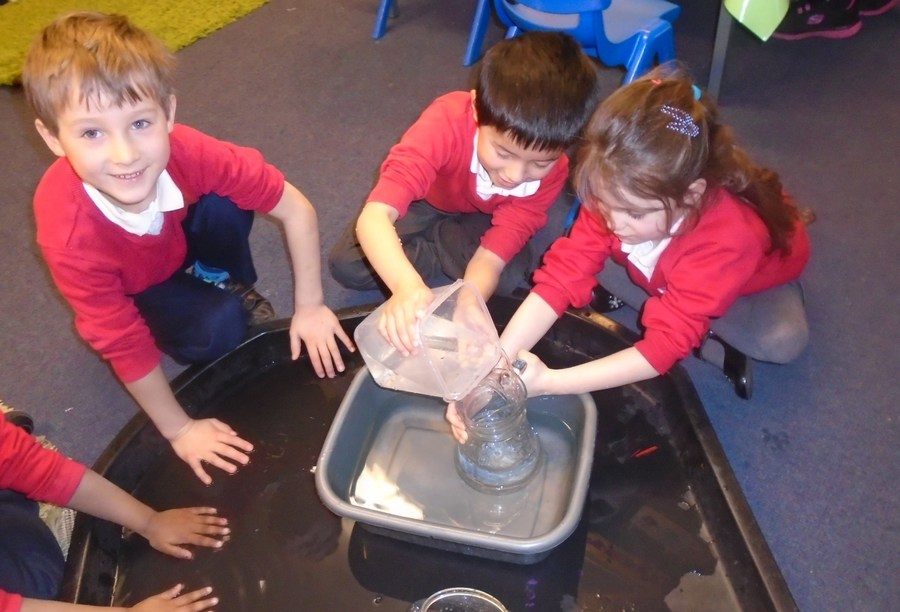 Children exploring capacity