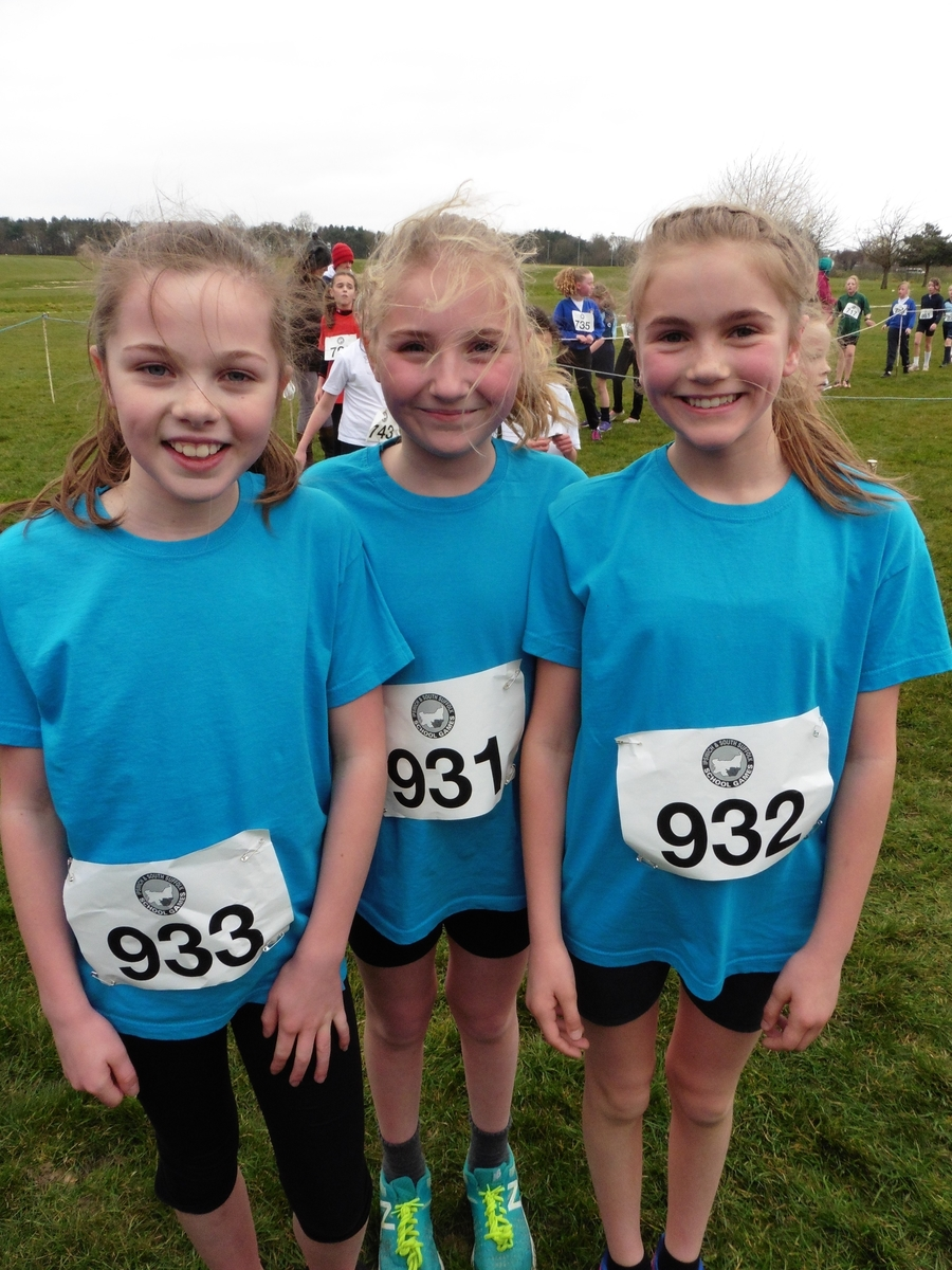 We were delighted that Melissa Laflin came in 20th , Lucy Clarke in 21st and Iona Seeley in 43rd place - tremendous running! Well done girls!