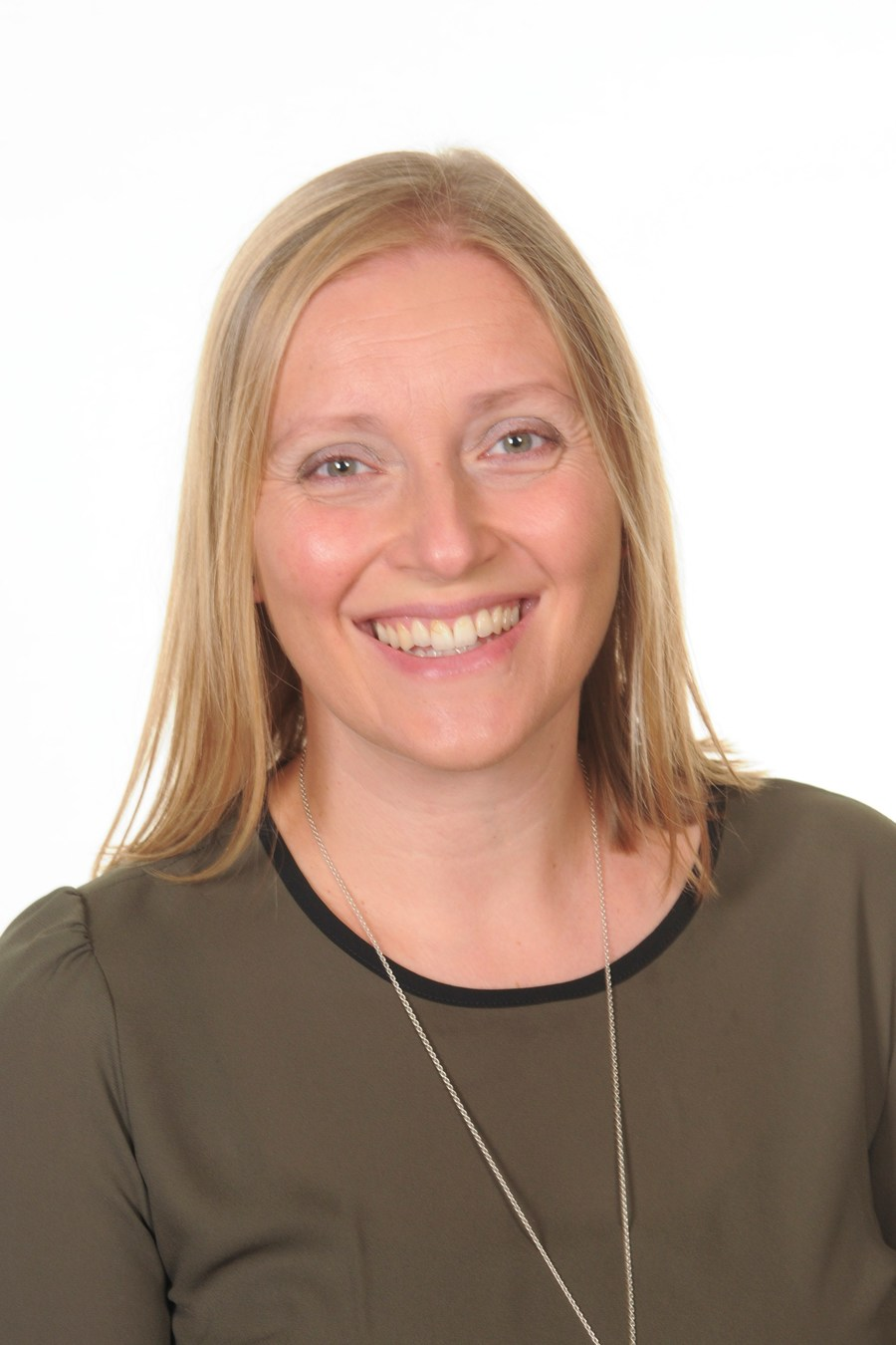 Wendy Thomas BA (Hons) Prim Ed (QTS) MA Prof Studies in Ed, SEN; Senior Teacher/SENCo