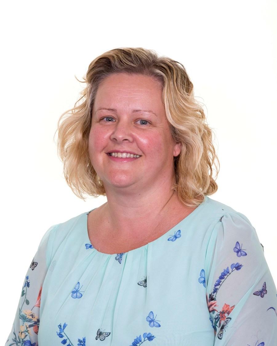 Mrs N Sunderland
