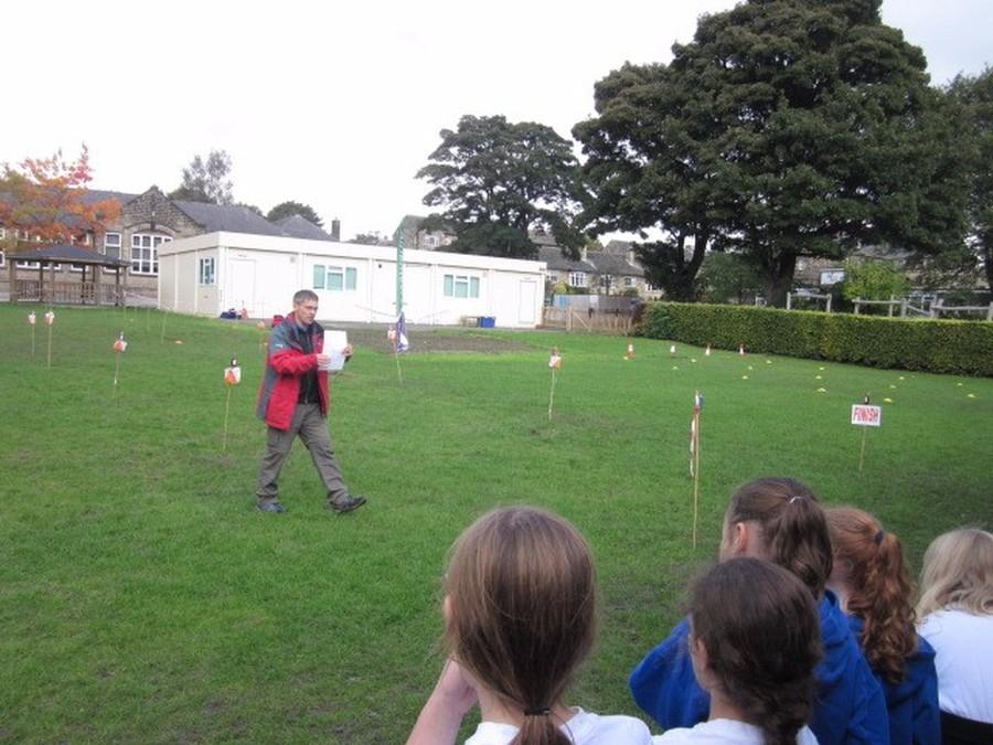 Y4 Orienteering fun with the Airienteers
