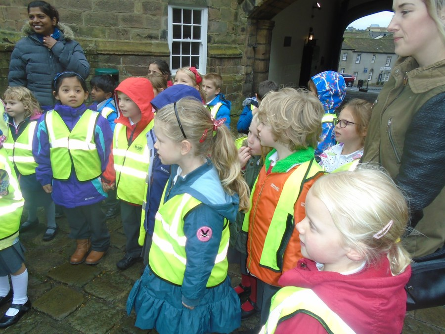 Malhamdale trip to Skipton Castle Oct 2016