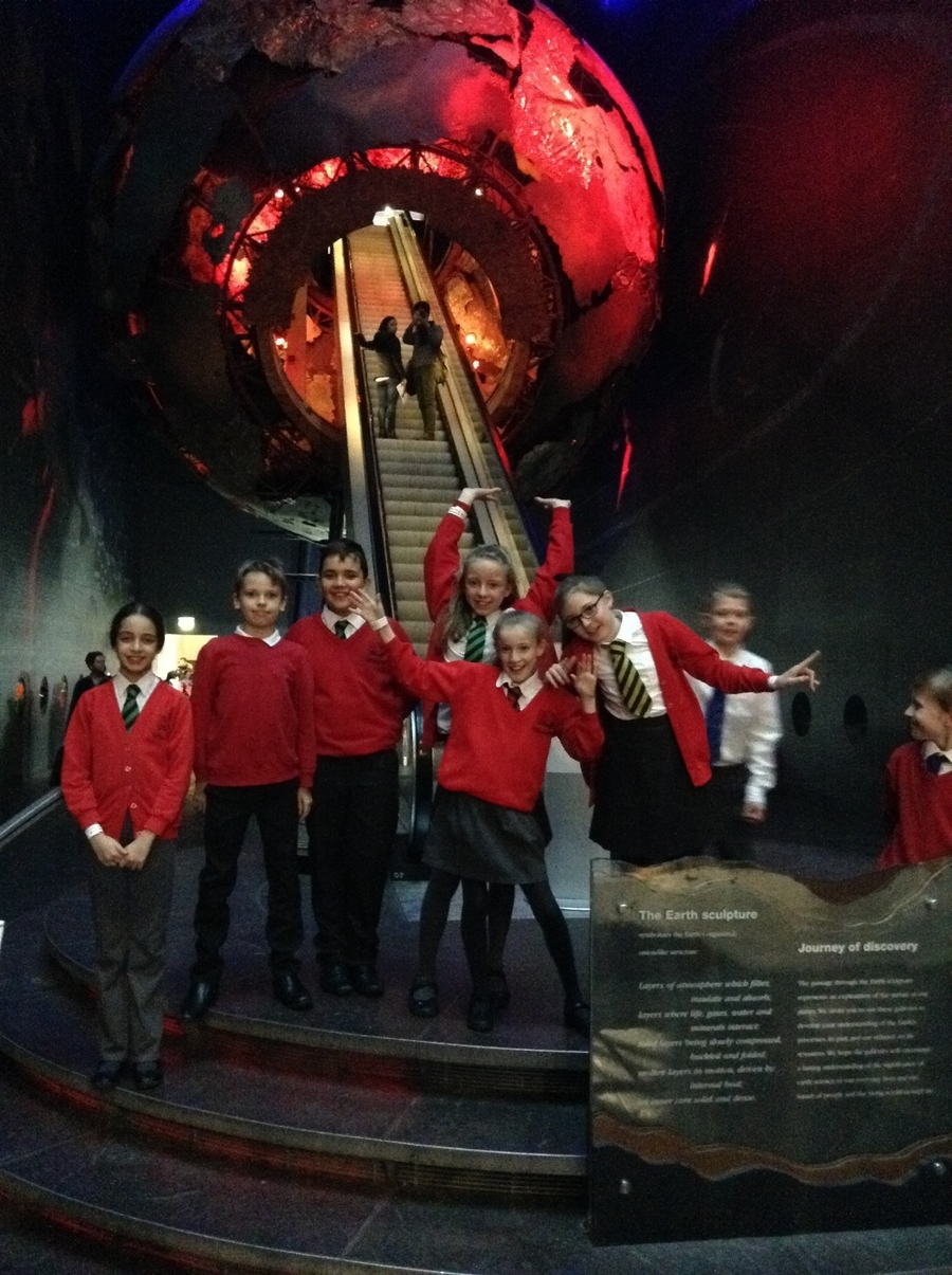 Year 6 Autumn trip to The National History Museum