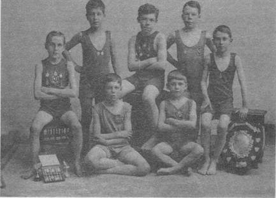 Swimming Club 1921