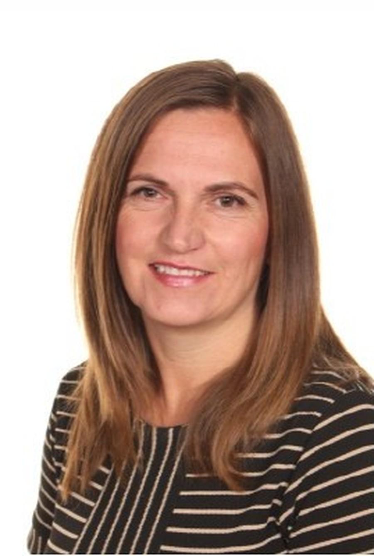 Mrs V Dyers