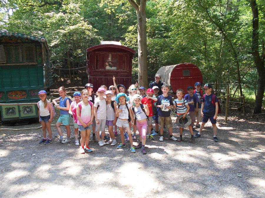 Romany caravans, group pose!