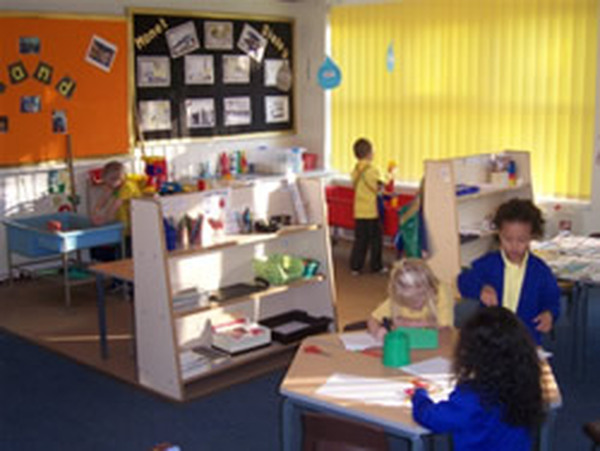 Large Primary School With 500 Pupils From Nursery To Year 6 We Are Situated Near Huddersfield Town Centre In West Yorkshire Our Local Authority Is