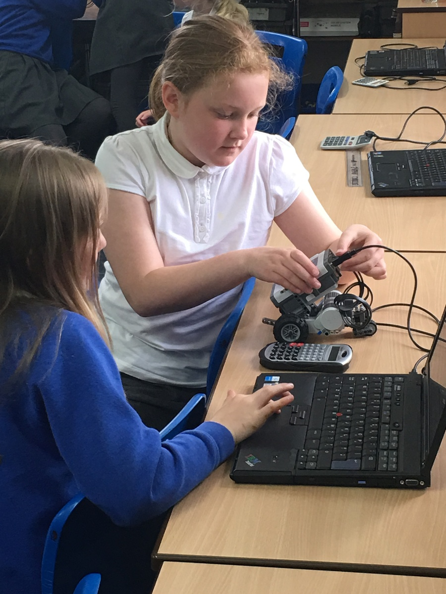 We enjoyed a robotics workshop with STEM