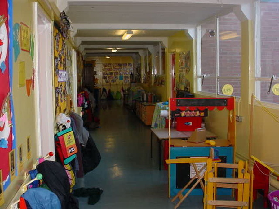 Reception Corridor. You will find Ducklings, Goslings and Cygnets classrooms along this corridor.