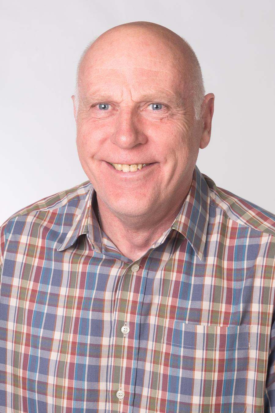 Mr Gwynne, Caretaker