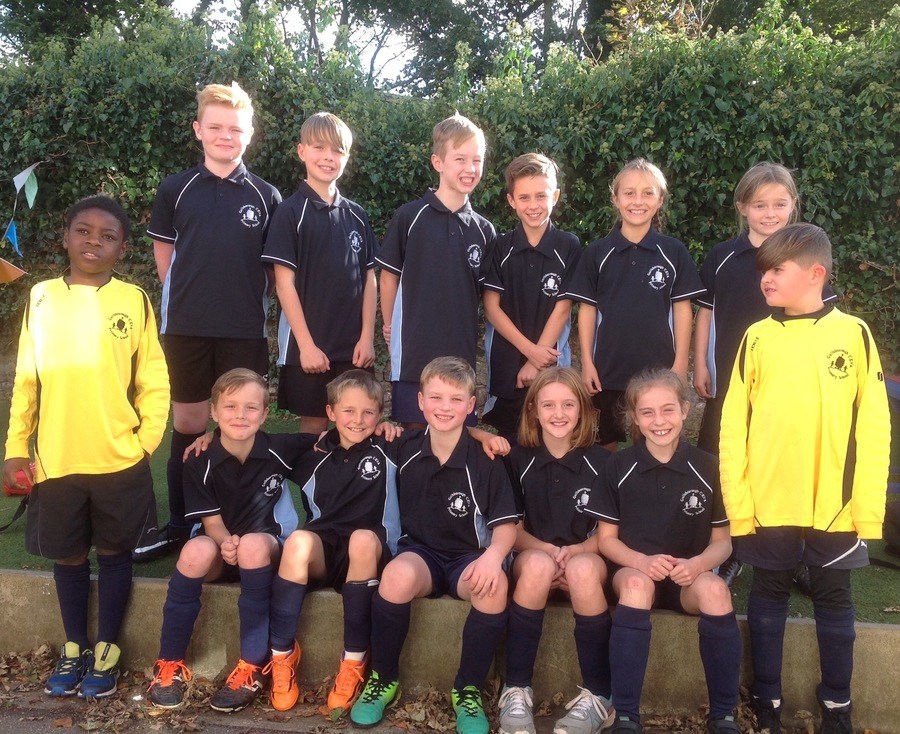 1st Football team of the year proudly wearing our school kit!